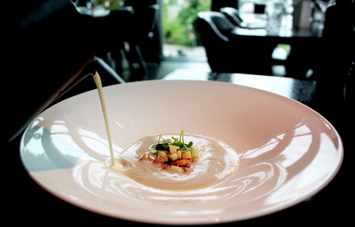 Suppe Restaurant waterkant Empire Riverside Hotel