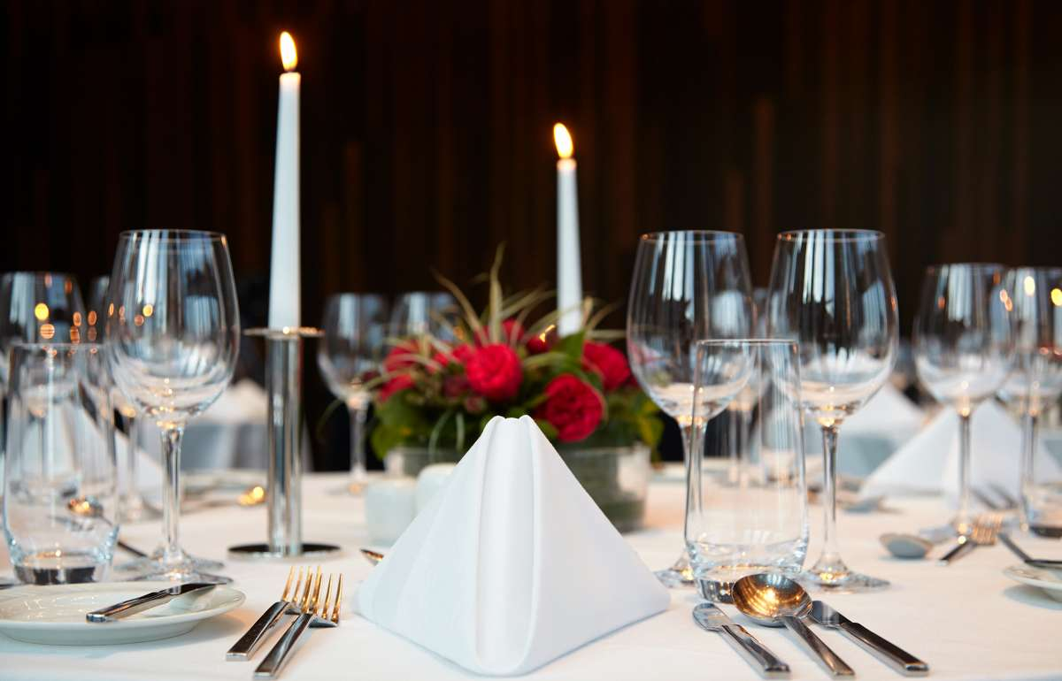 Banquet| Table Decorations | Empire Riverside Hotel