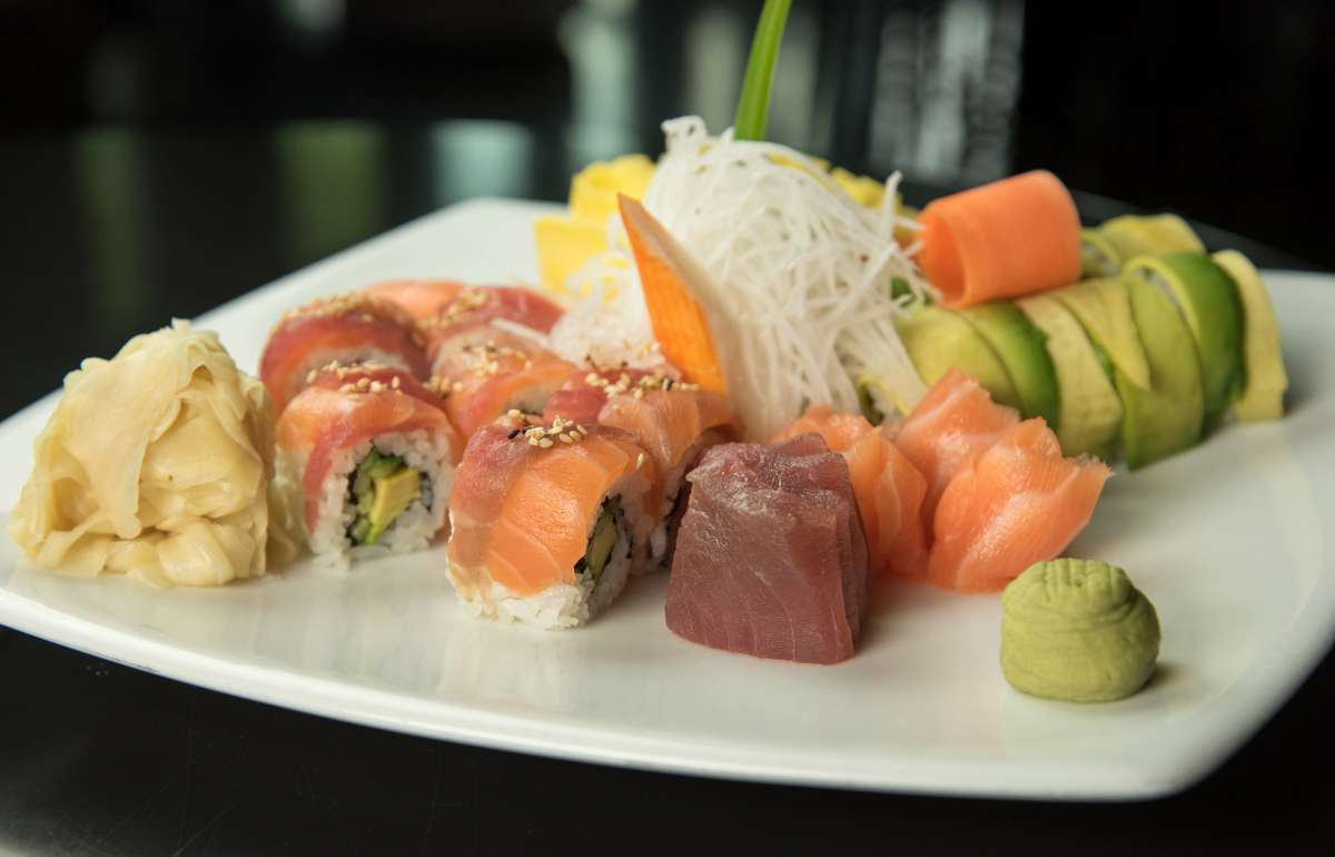 Mix Sushi | DAVID'S | Empire Riverside Hotel
