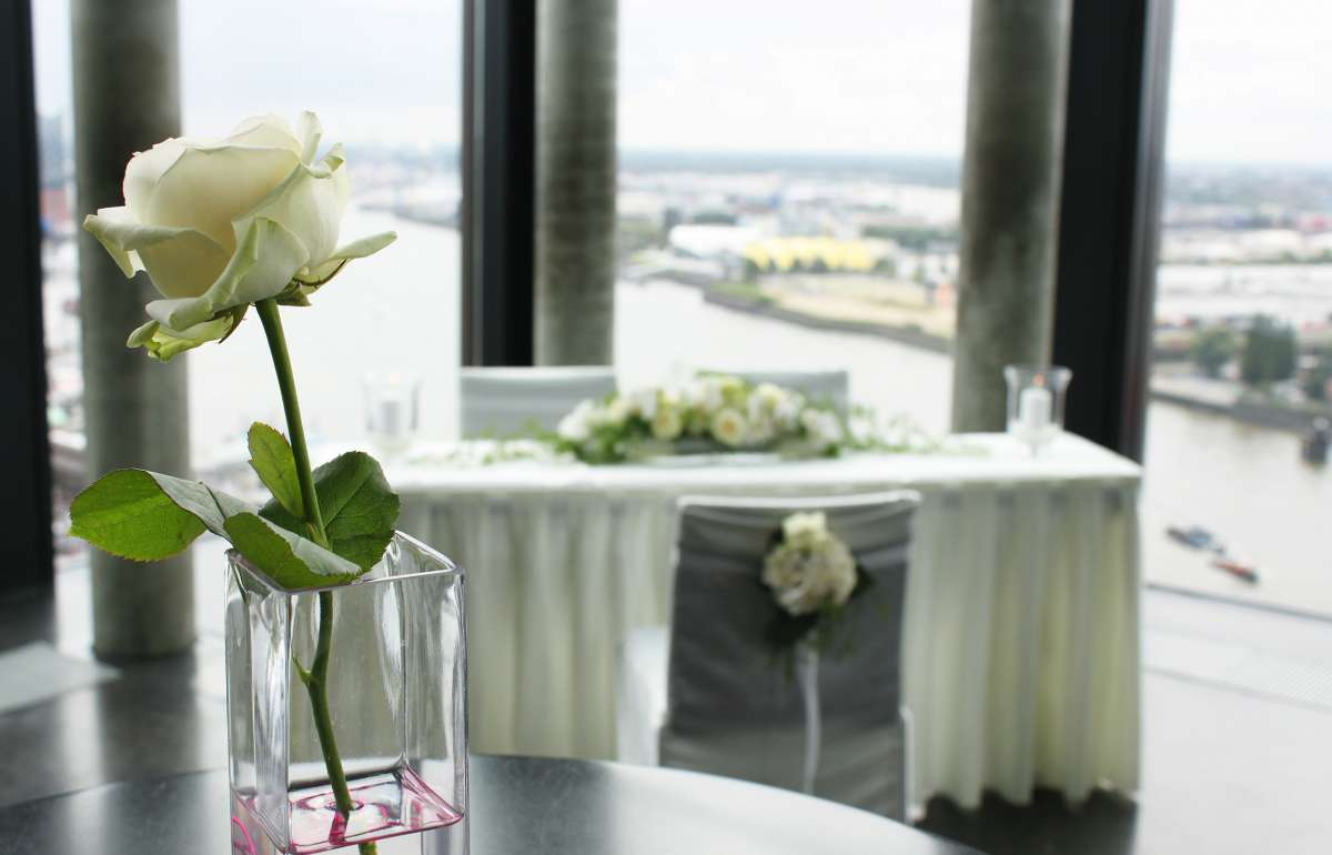 Hochzeit | Rose | Skyline Bar 20up | Empire Riverside Hotel