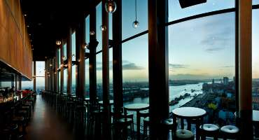 Skyline Bar 20up | Aussicht | Empire Riverside Hotel