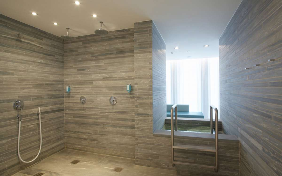 Fitness and Spa | Showers | Empire Riverside Hotel