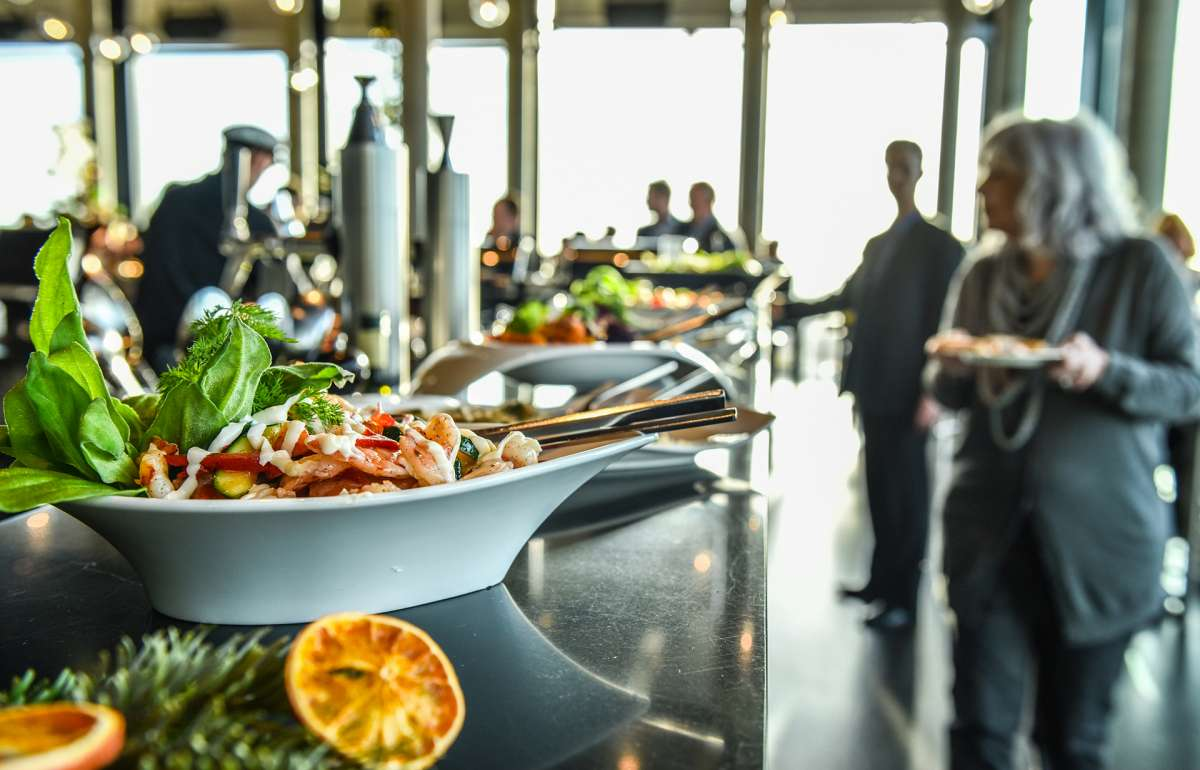 Brunch | Buffet | Speisen | Skyline Bar 20up | Empire Riverside Hotel