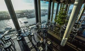 Brunch | Weihnachtsbaum | Skyline Bar 20up | Empire Riverside Hotel