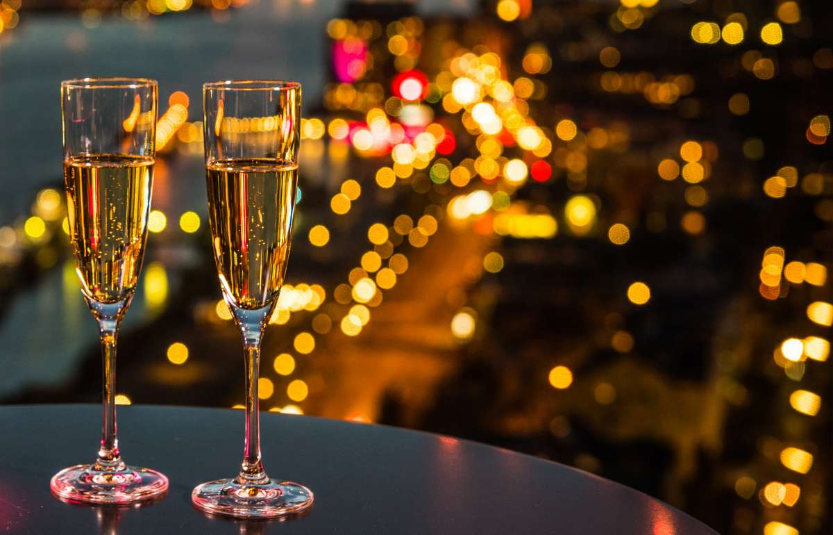 Skyline Bar 20up | Champagner | Empire Riverside Hotel