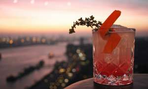 Skyline Bar 20up | Sonnenuntergang Cocktail | Empire Riverside Hotel